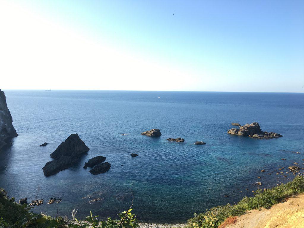 積丹岬と海